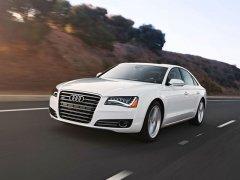 Audi A8 белая