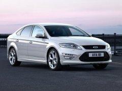 Ford Mondeo белый
