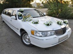 Lincoln Town Car белый