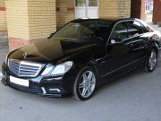 Mercedes-Benz E200 черный
