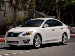 Nissan Teana белый