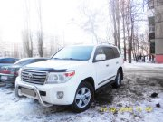 Toyota Land Cruiser 200 белый